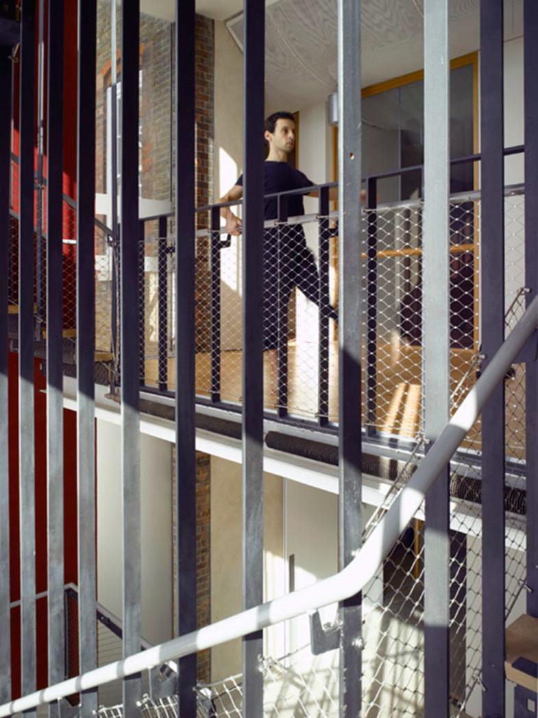 Sarah-Wigglesworth-Architects Siobhan-Davies-Dance Stairs2 1800