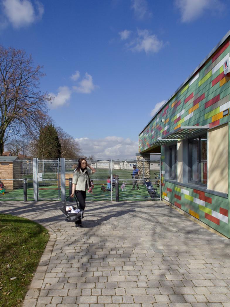 Sarah-Wigglesworth-Architects Heathfield External Side view 1800