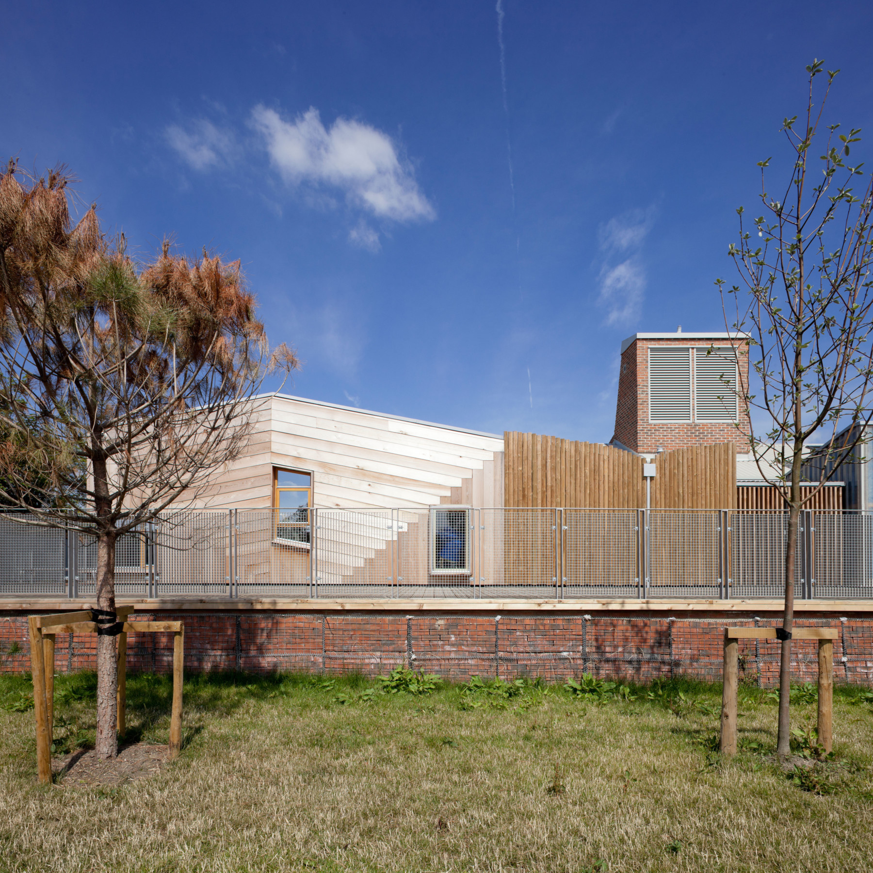 Sarah-Wigglesworth-Architects Sandal-Magna timber 3600