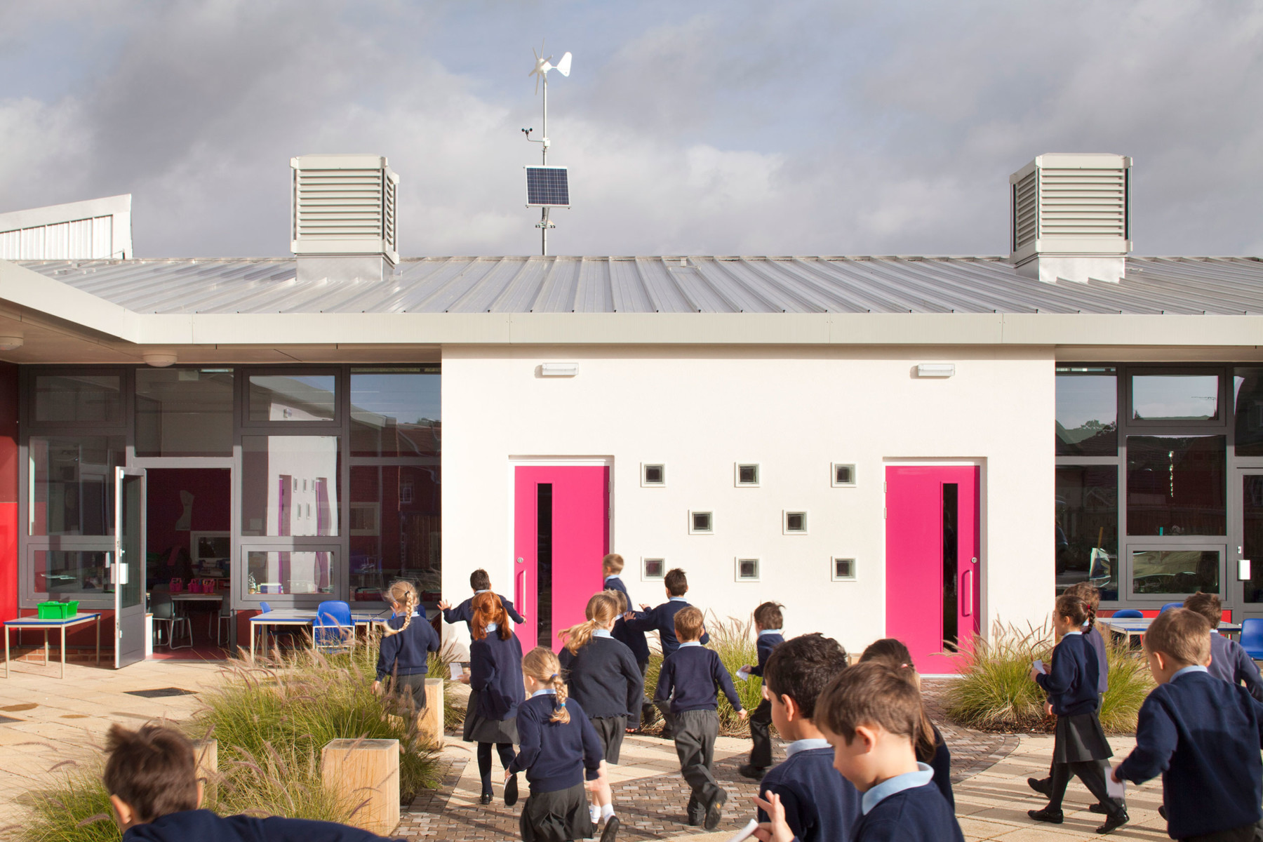 Sarah-Wigglesworth-Architects Takeley-Primary-School Oasis-Garden 1800