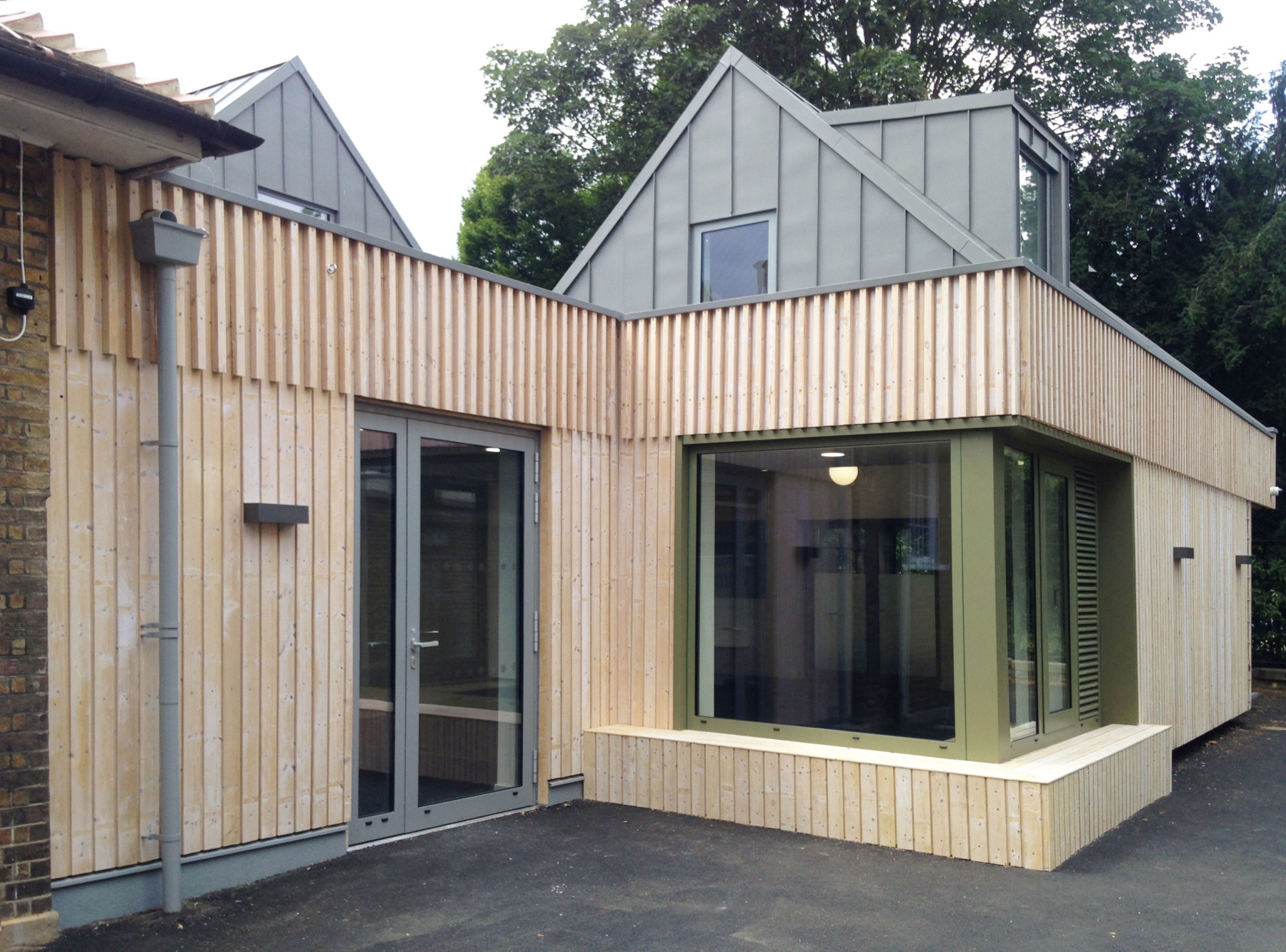 Sarah-Wigglesworth-Architects Kingsgate School Exterior 3600
