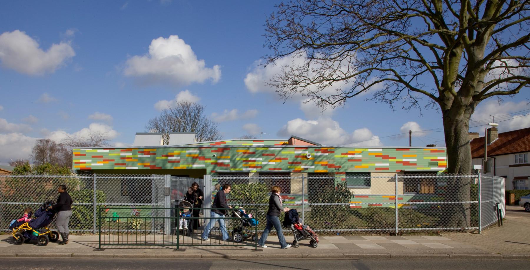 Sarah-Wigglesworth-Architects Heathfield External Elevation Entrance 3600