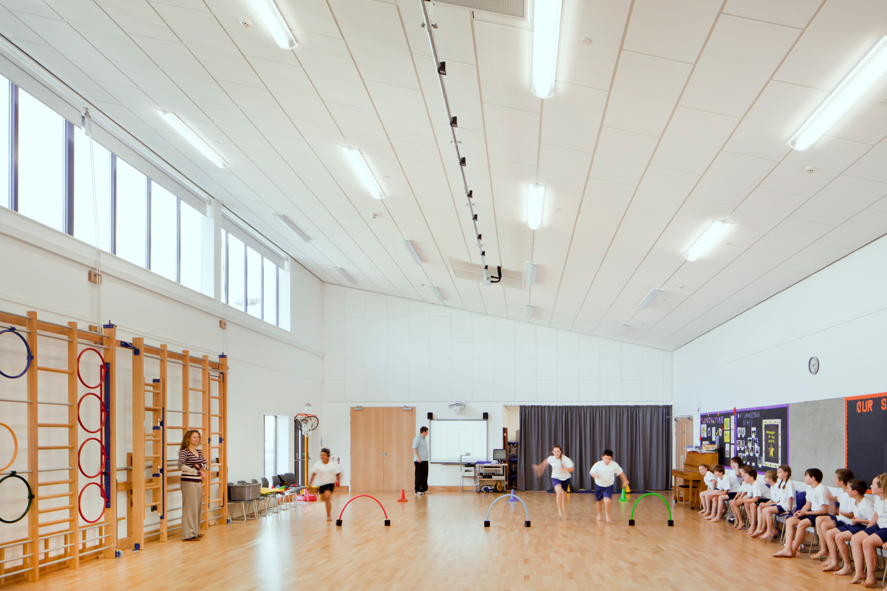 Sarah-Wigglesworth-Architects Takeley-Primary-School Hall 1800