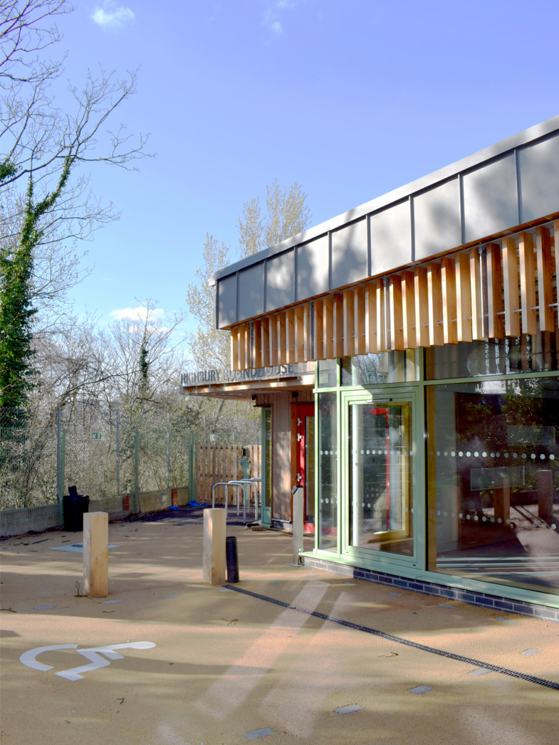 Sarah Wiggelsworth Architects Entrance approach