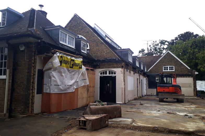 Sarah-Wigglesworth-Architects Kingsgate-School-Site-Photo feature