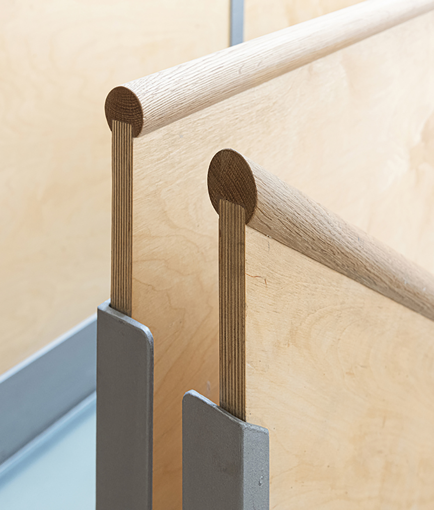 Sarah-Wigglesworth-Architects R20 handrails