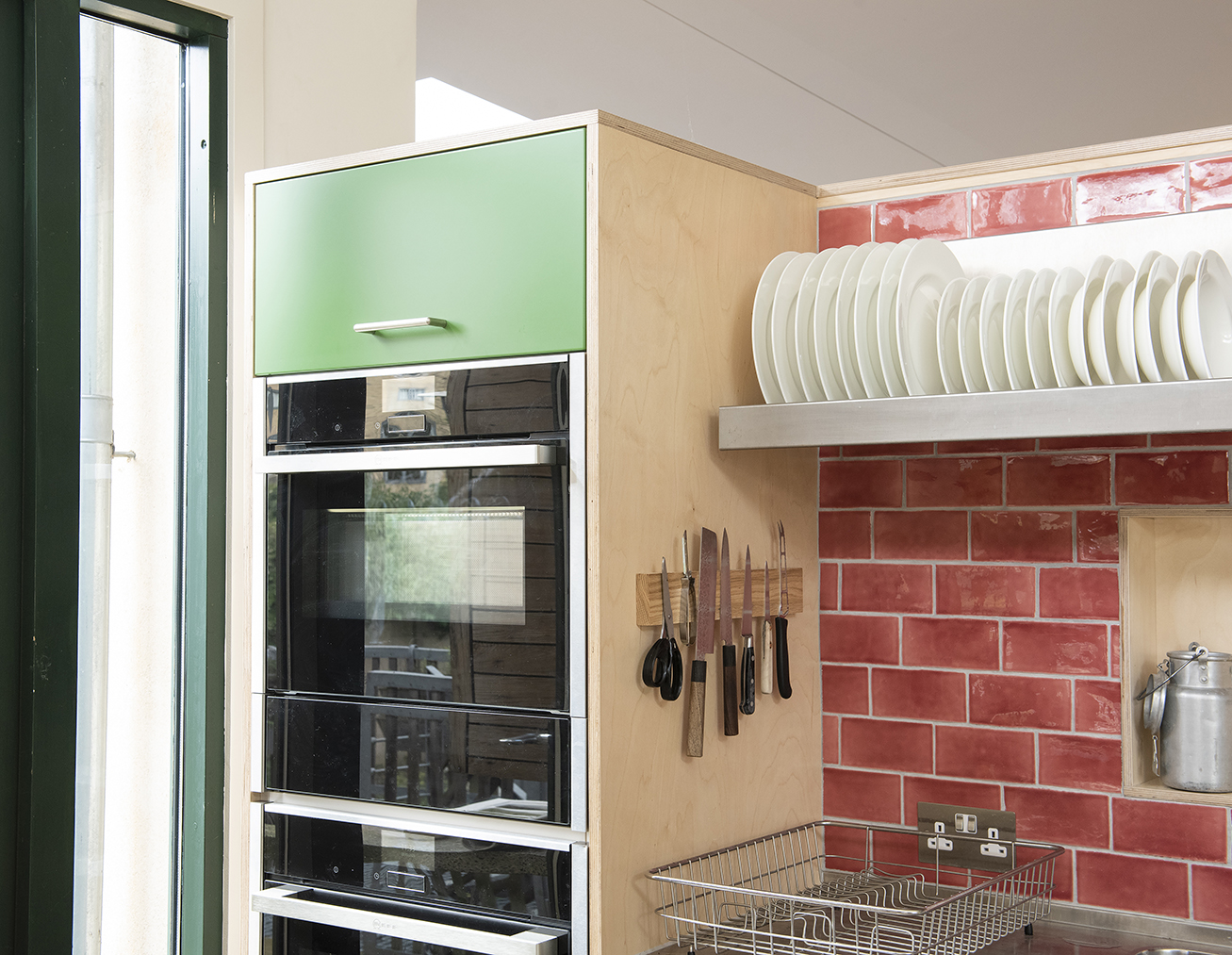 Sarah-Wigglesworth-Architects R20 oven